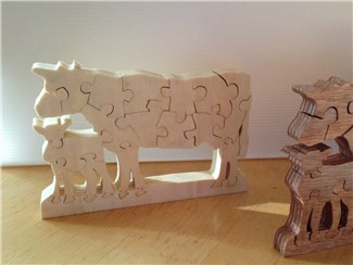 Kuh - Puzzle Pappel Natur:   Entzückendes Mutterkuh - Kalb Ensemble aus unbehandeltem Pappelholz.   Das