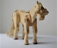 Pferd:        Ein Freund, um damit über Wiesen und Felder zu galoppieren. Beine, H